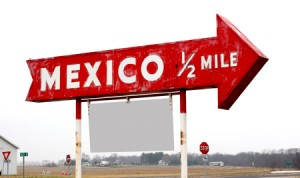mexico-border-sign