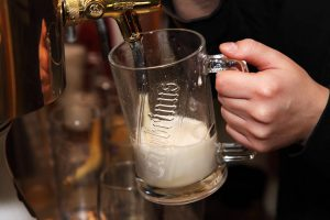 9527-pouring-beer-into-a-glass-pv